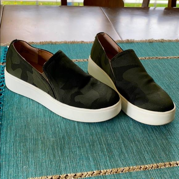 Steve Madden Zayna Camo Shoes Sneaker